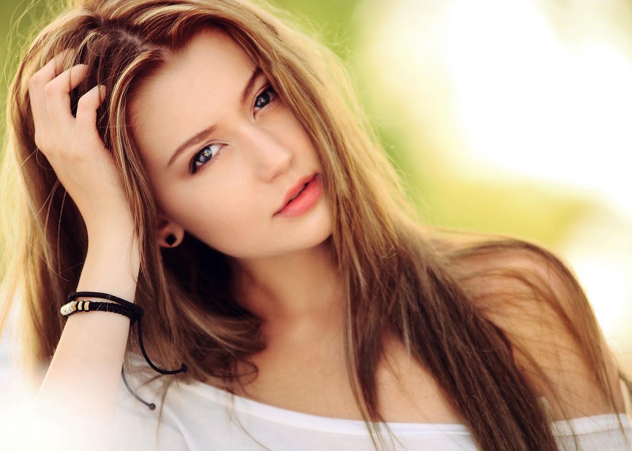 czy włosy przedłużane mozna farbować